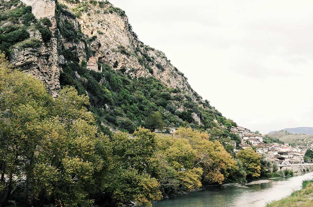 Am Fluss in Berat