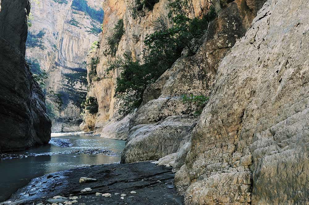 Lengarica-Schlucht in der Nähe von Gjirokastra