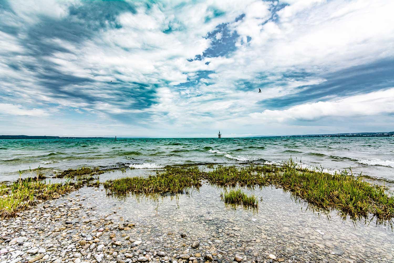 Das Bild zeigt den Bodensee bei Wind und Wetter - bei diesem Wetter lassen sich die besten Bilder machen
