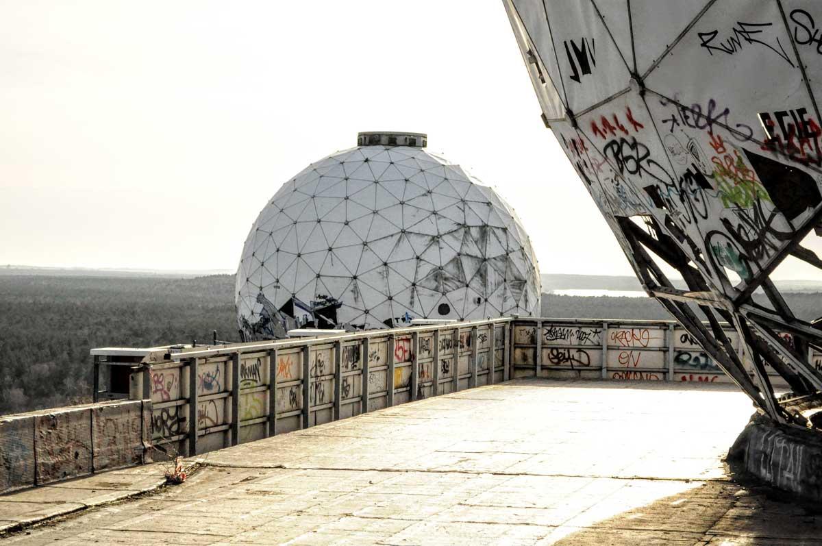 Die Abhörstation auf dem Teufelsberg ist ein spektakulärer Lost Place.