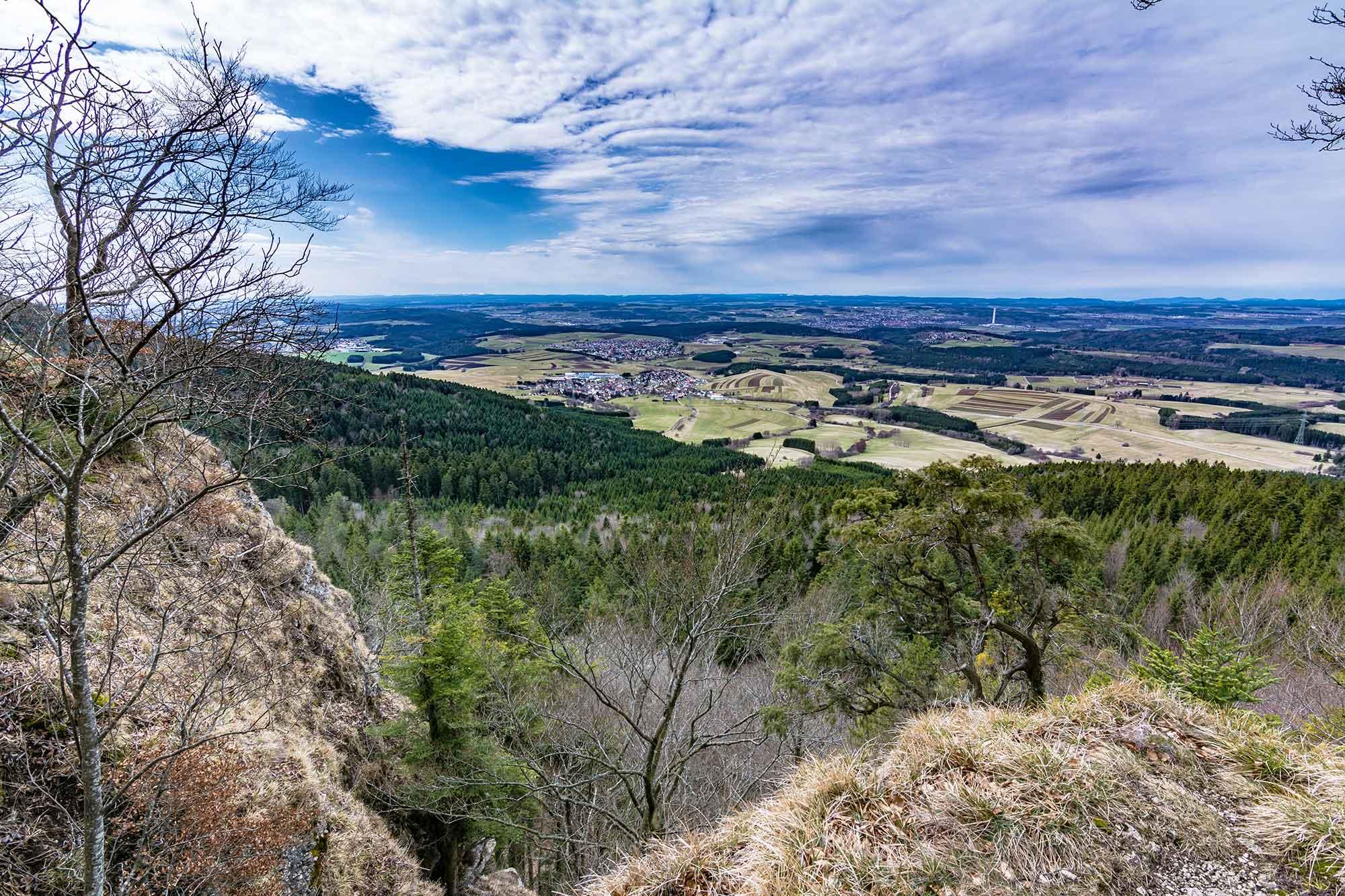 Im Bild ist die Aussicht vom Lemberg in Baden-Württemberg zu sehen