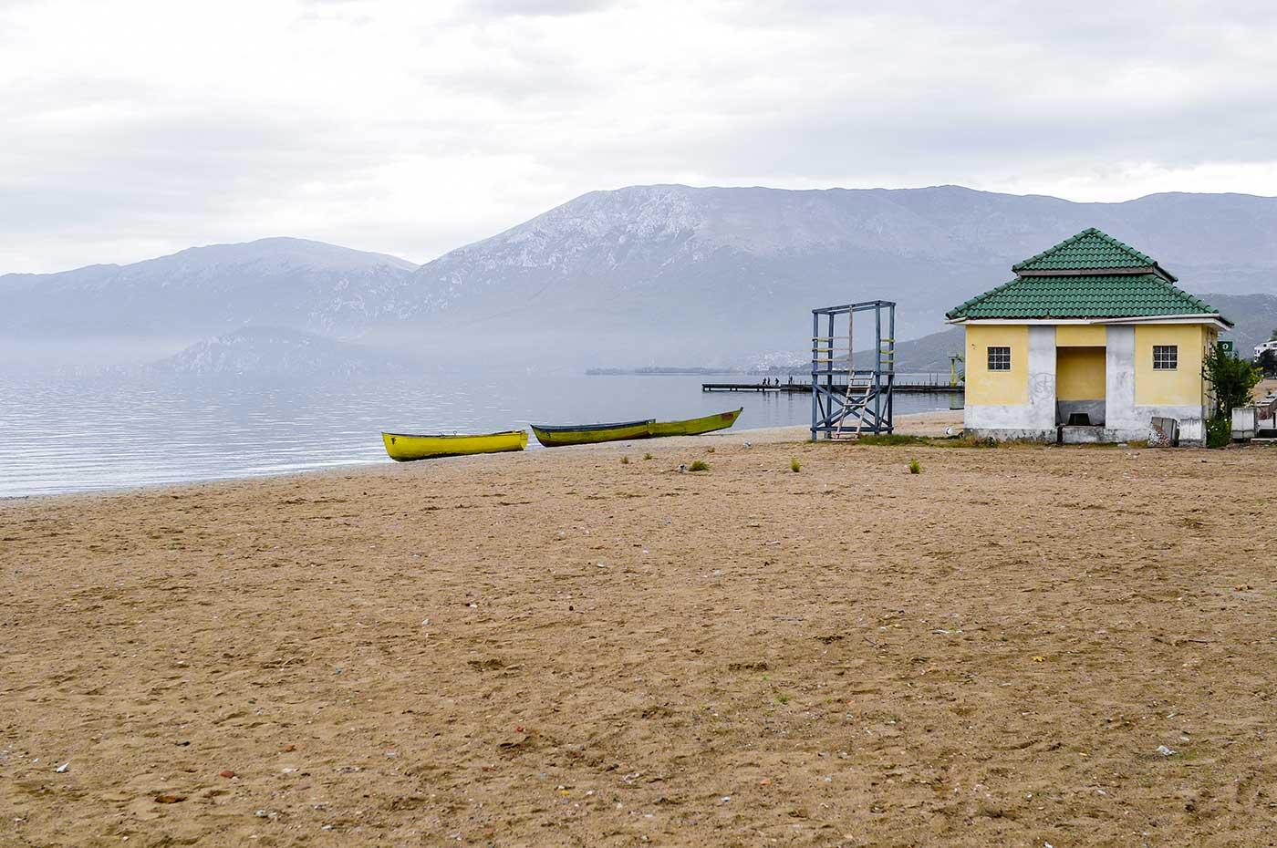 Am Ohridsee an der Grenze zwischen den Ländern Albanien und Nordmazedonien
